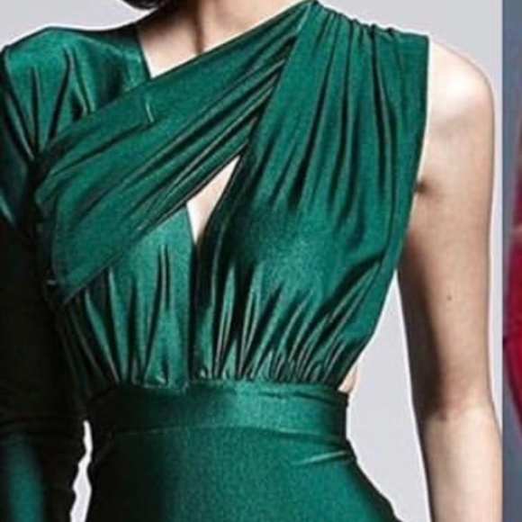 Dresses | Walter Inspired Emerald Green Gown For Sale | Poshmark